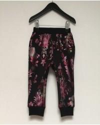 PETIT BY SOFIE SCHNOOR Sweatpants med blomsterprint sort-00