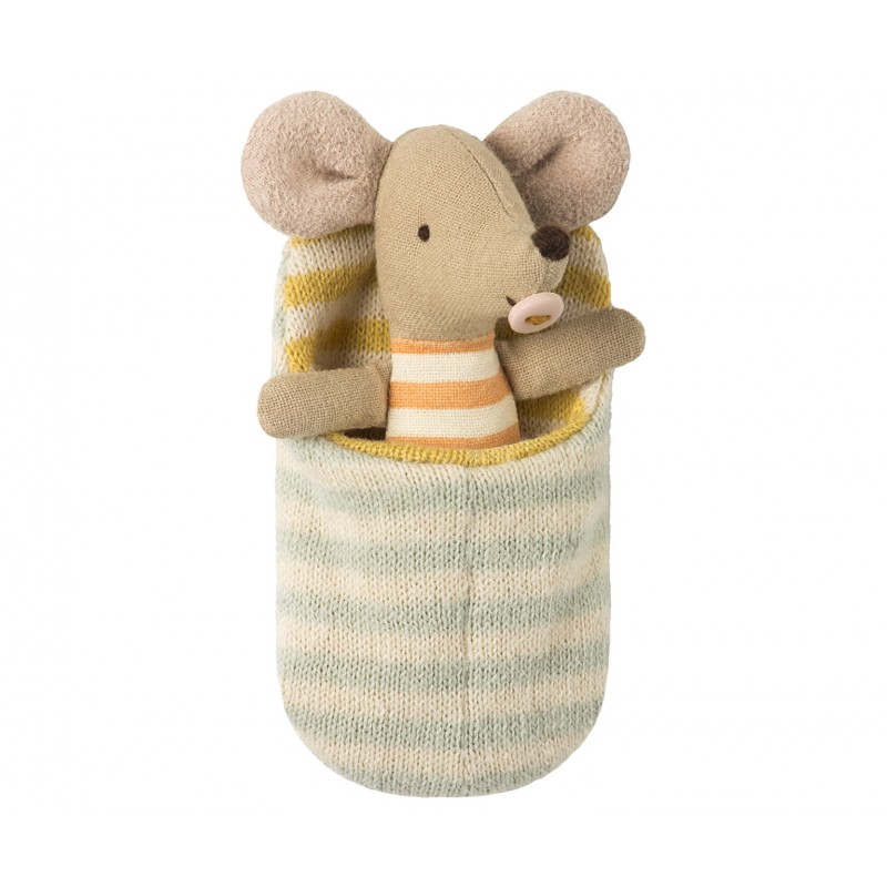 Baby mouse in sleeping bag-31