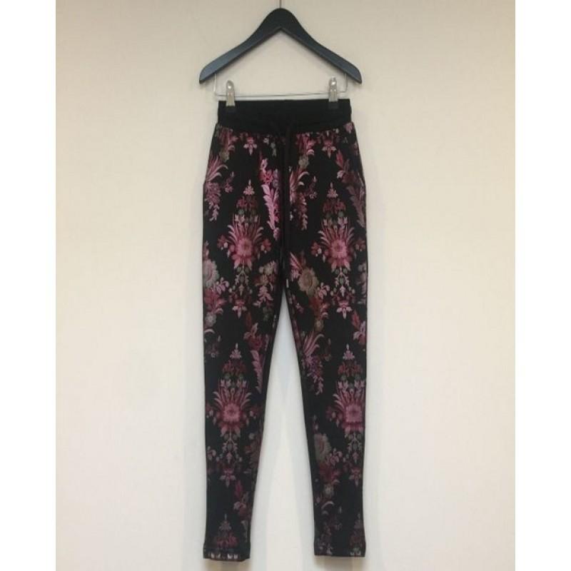 PETIT BY SOFIE SCHNOOR Sweatpants med blomsterprint sort-32