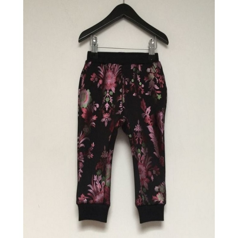 PETIT BY SOFIE SCHNOOR Sweatpants med blomsterprint sort-31